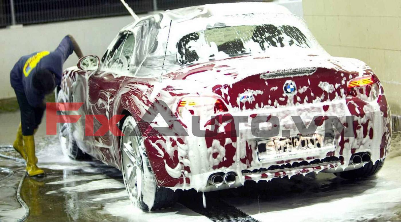 Rửa toàn bộ xe ô tô