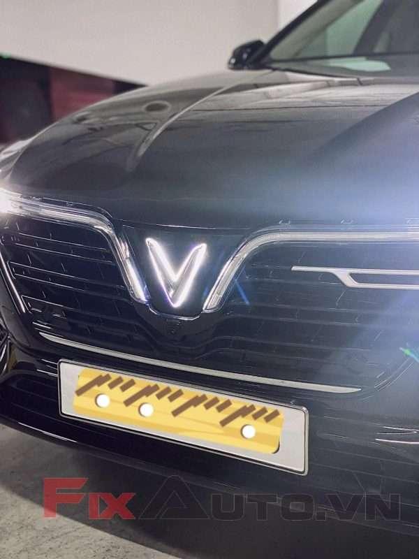 Độ led vào logo chữ V