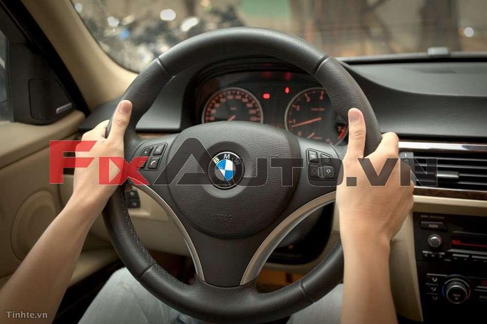 kỹ thuật vào cua ô tô