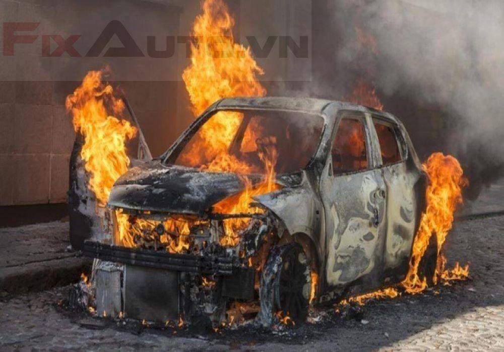 Xe ô tô cháy