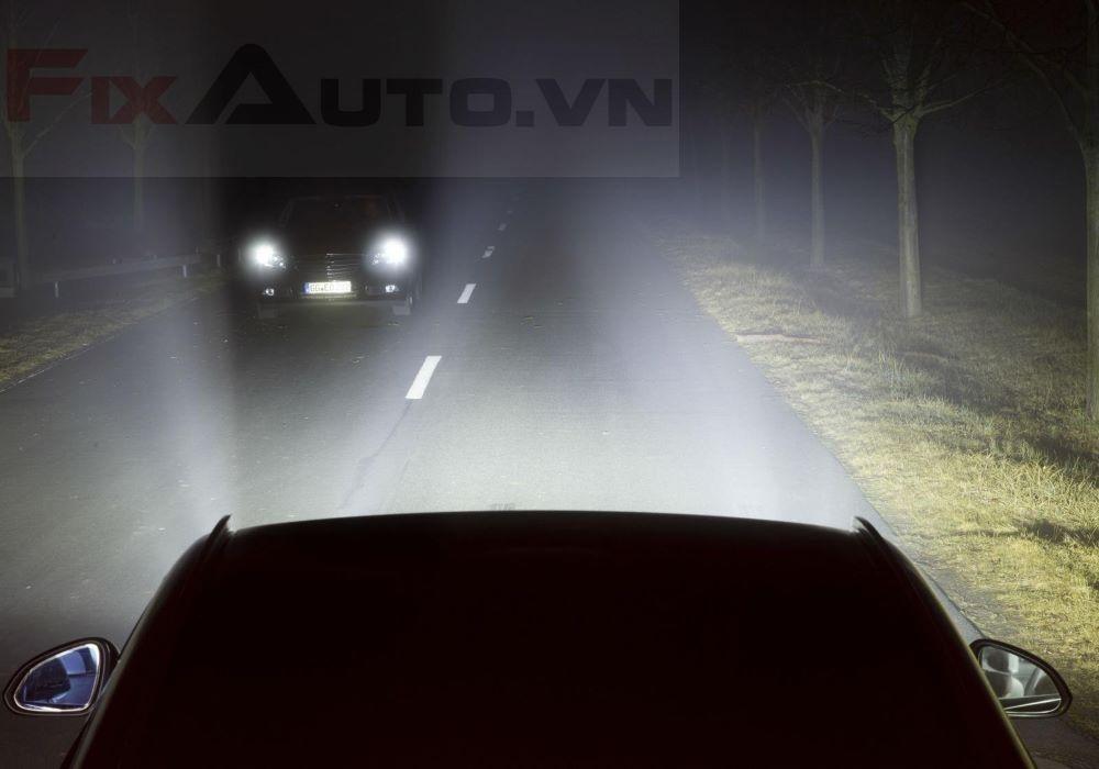 Sử dụng đèn ô tô